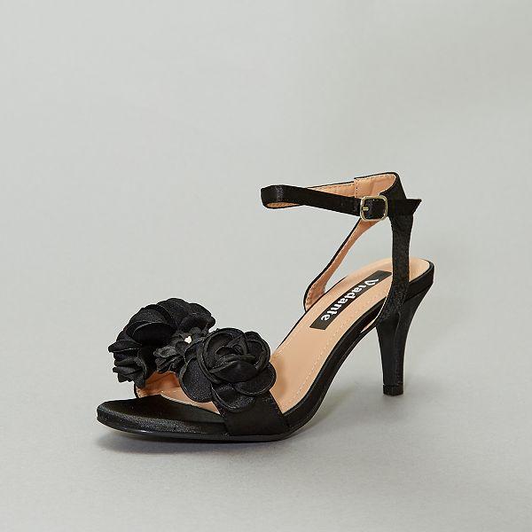Sandales à fleurs Femme rouge Kiabi 20,00€