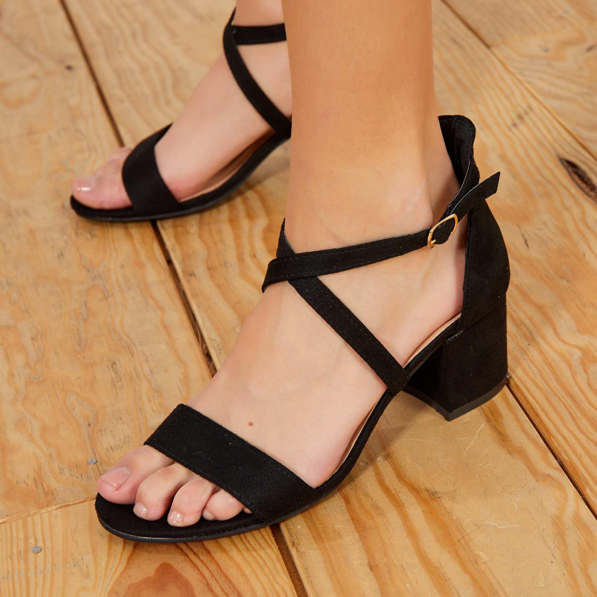 8b4d20b15181c Sandales à talon brides croisées en suédine Chaussures - noir ...