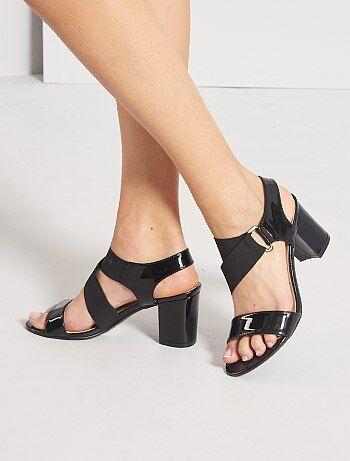 Sandales à talons vernies