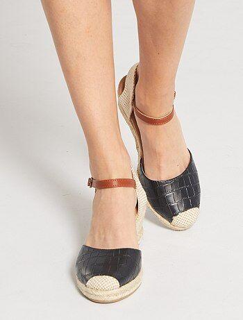 Sandales compensées effet 'croco'