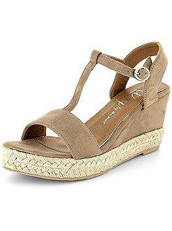 Chaussures femme - Sandales compensées en suédine - Kiabi