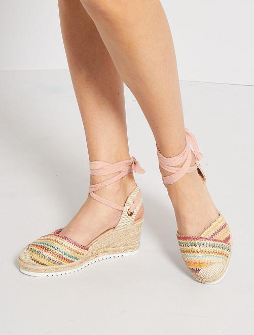 Sandales compensées tressées                             rose