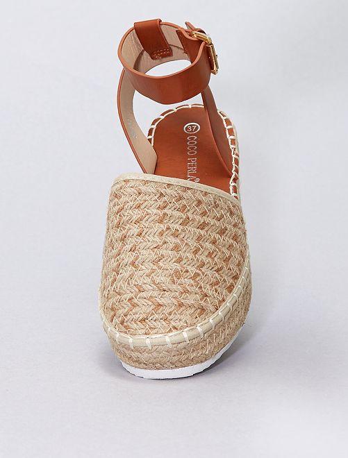 Sandales effet tressé                             beige