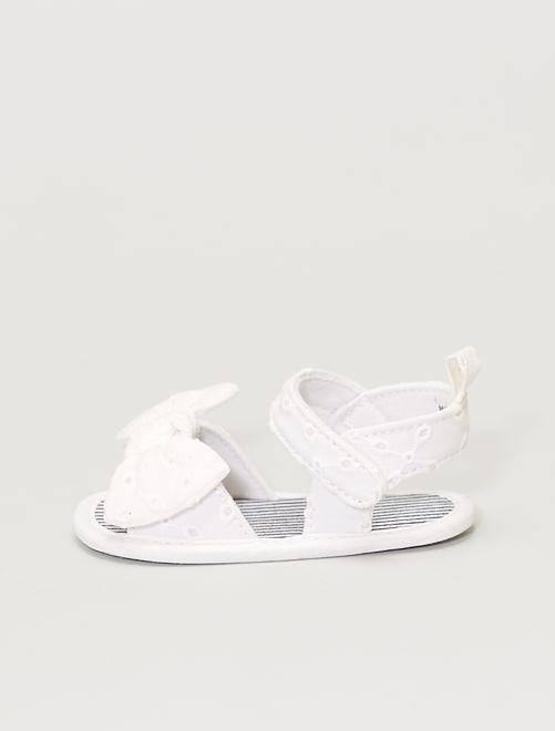Sandales en broderie anglaise                             blanc