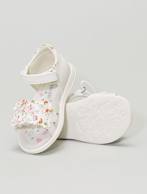 Sandales en simili imprimé avec fleurs et perles                             blanc