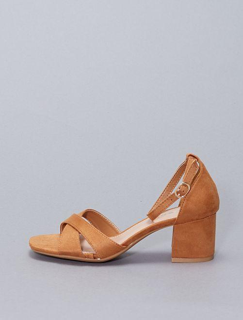 Sandales en suédine                                                     camel