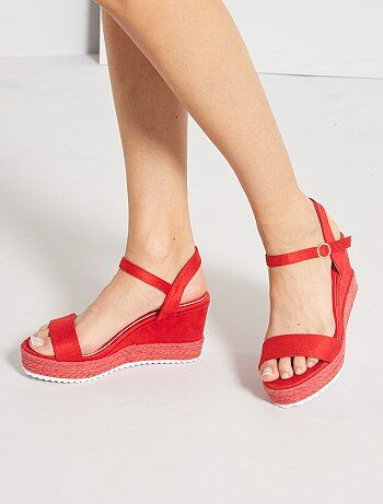 Sandales en suédine compensées