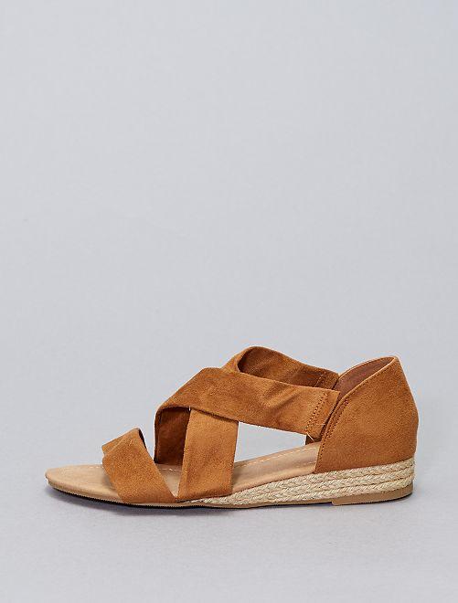 Sandales en suédine                             marron