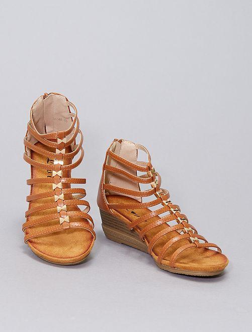 Sandales montantes en simili                                         camel