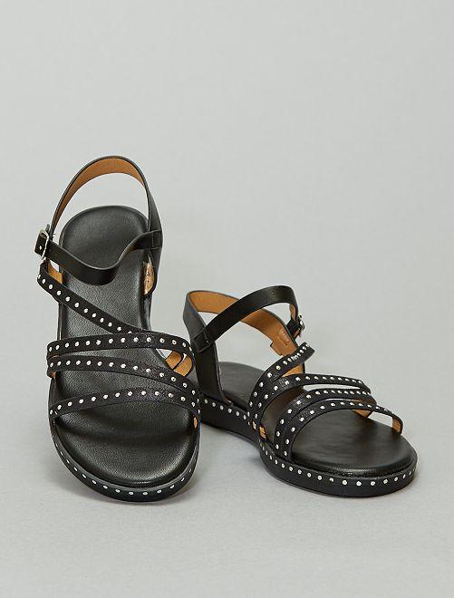 Sandales montantes plates cloutées                             noir