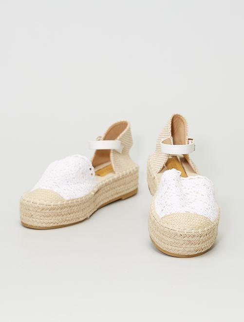 Sandales ouvertes en macramé                                         blanc