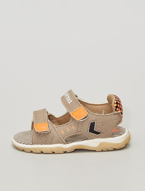 Sandales ouvertes en simili                             taupe