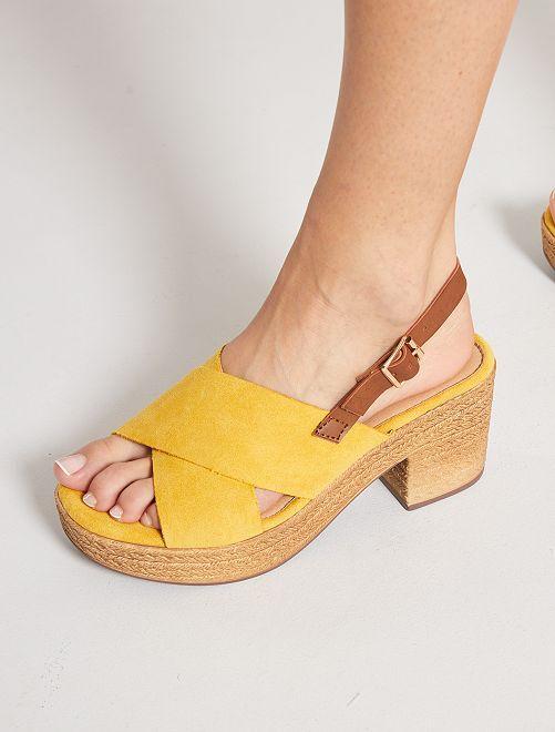 Sandales plateforme à talon en suédine                                         jaune