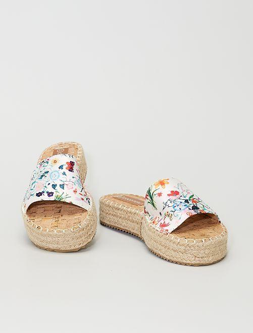 Sandales plateformes à fleurs                                         blanc
