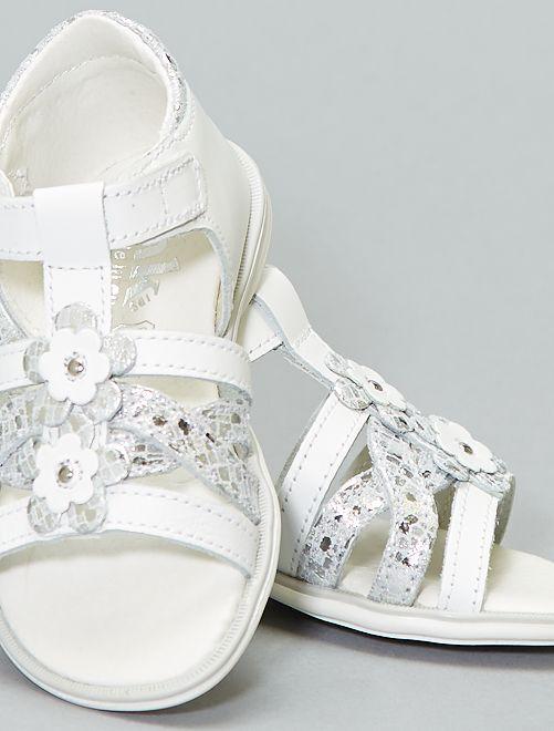 Sandales plates avec fleurs fantaisies                             blanc Fille