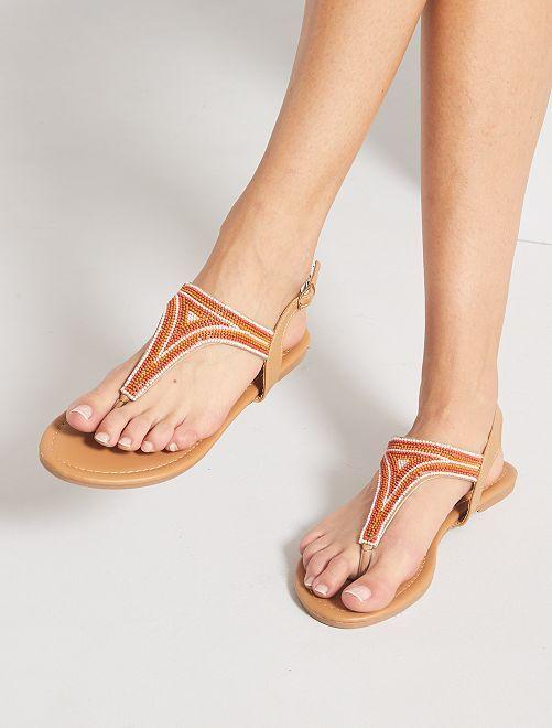 Sandales plates avec perles                             camel