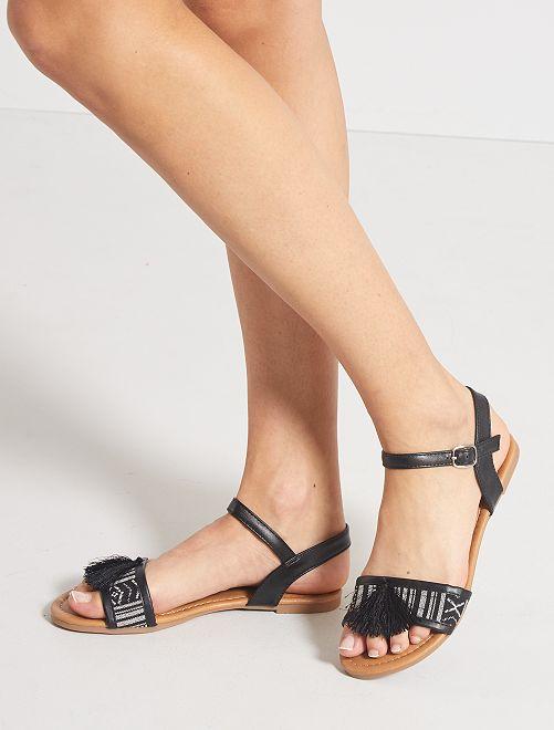 Sandales plates avec pompons                             noir