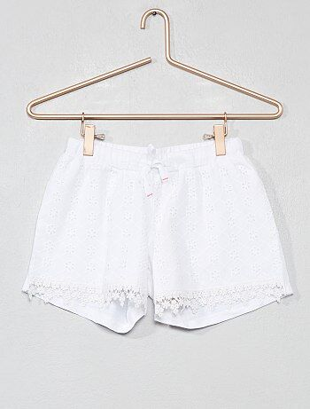 Short à broderie anglaise