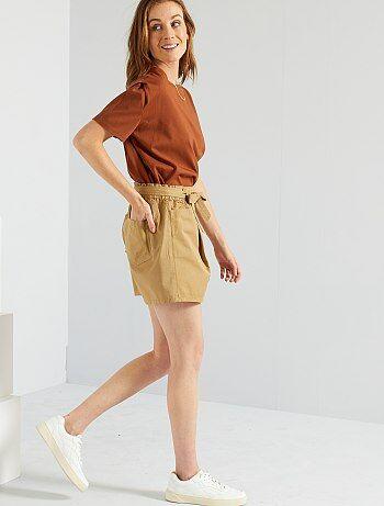 Short avec ceinture