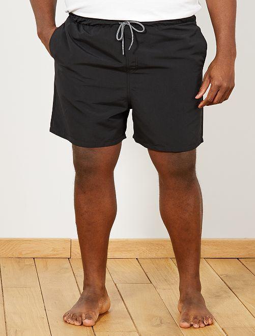 short de bain uni grande taille homme noir kiabi 10 00. Black Bedroom Furniture Sets. Home Design Ideas