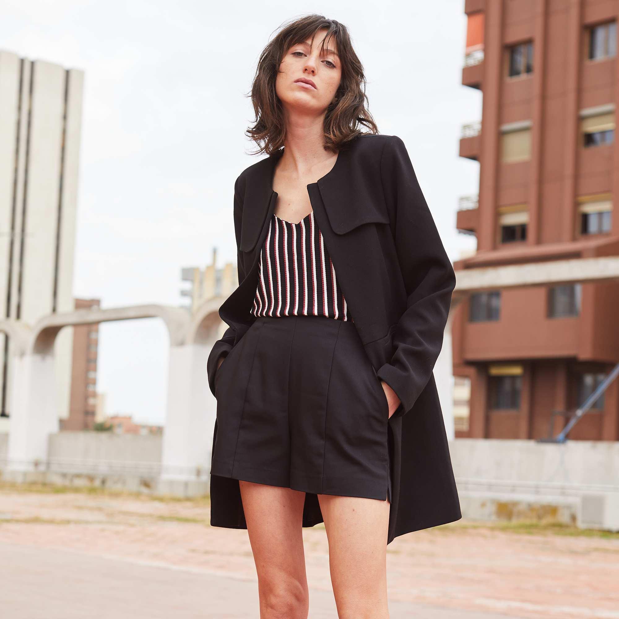 Short droit en satin de coton Femme - noir - Kiabi - 12 5bdd6515489