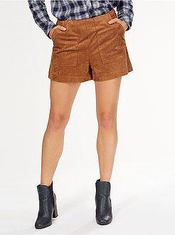 Femme du 34 au 48 Short droit en suédine avec 2 grandes poches