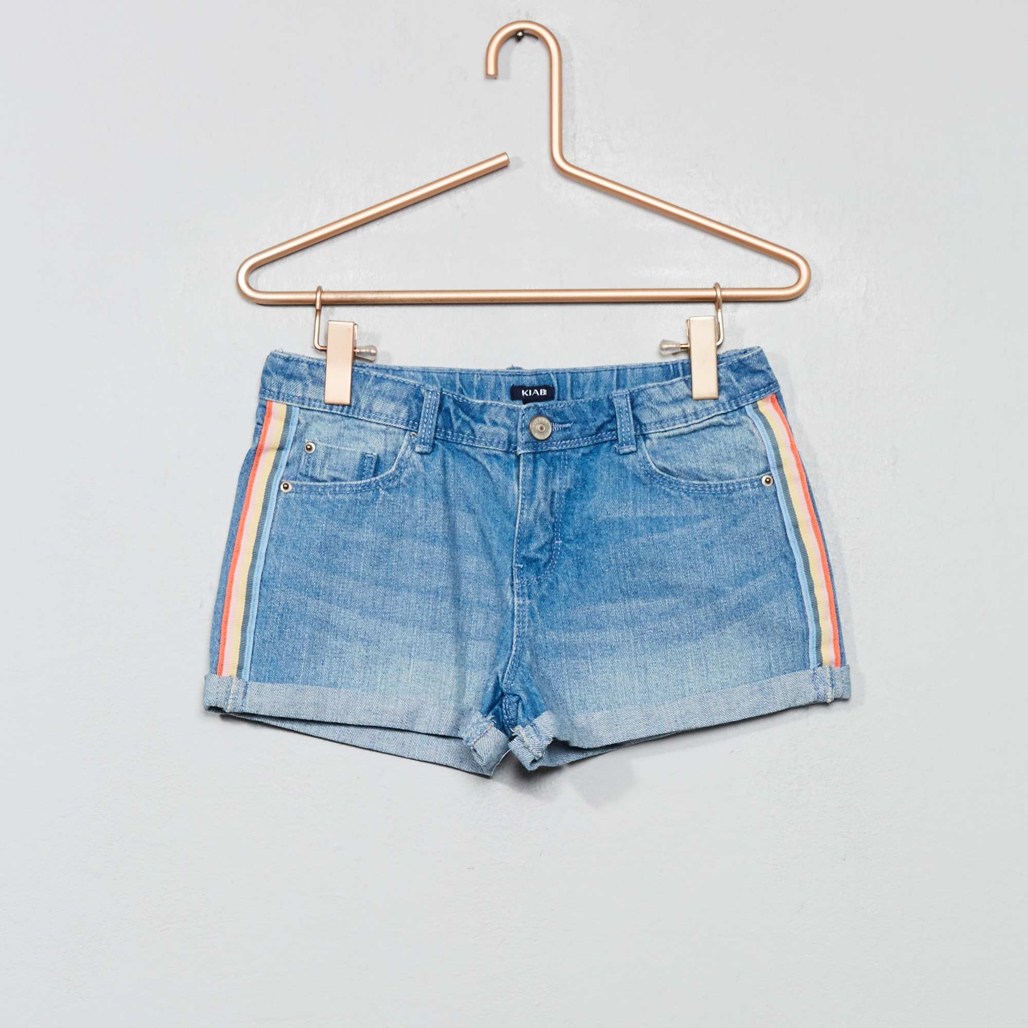 5fcaa300c2bb8 Short en jean à bandes Fille - bleu clair - Kiabi - 10,00€