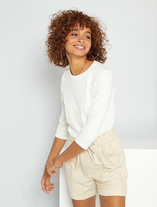 T-shirt à boutons dorés                                         blanc