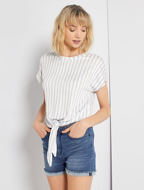 T-shirt à nouer à la base                                                                 blanc rayé bleu