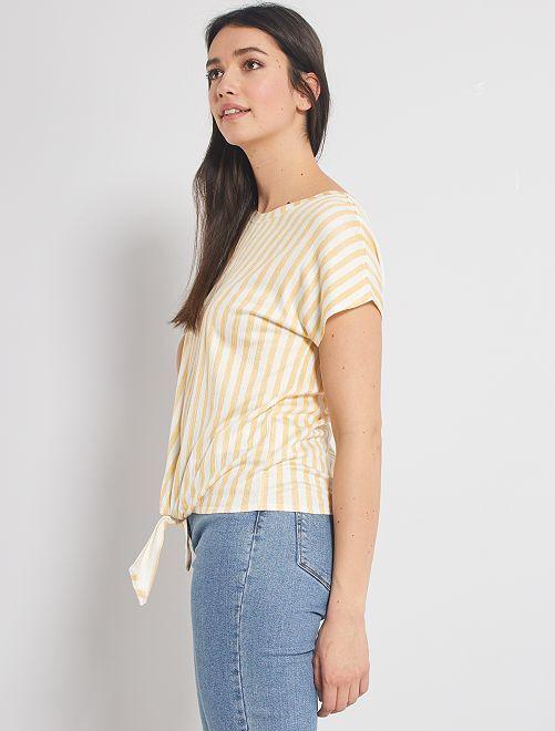 T-shirt à nouer à la base                                                                 blanc rayé jaune