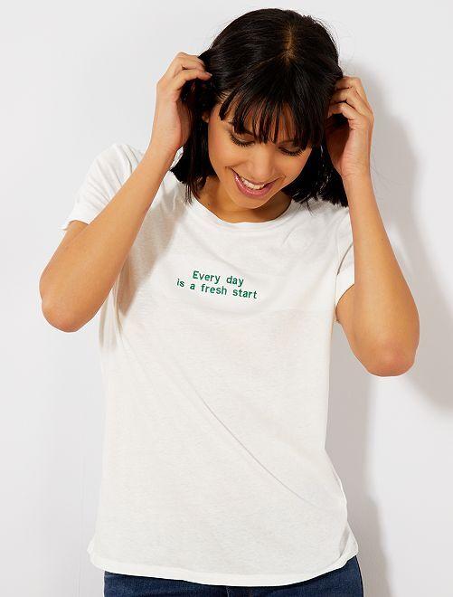 T-shirt avec message en coton bio                                                                 blanc Femme
