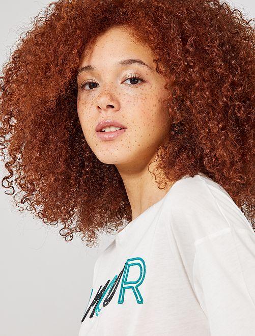 T-shirt brodé 'amour'                                                                             écru/amour