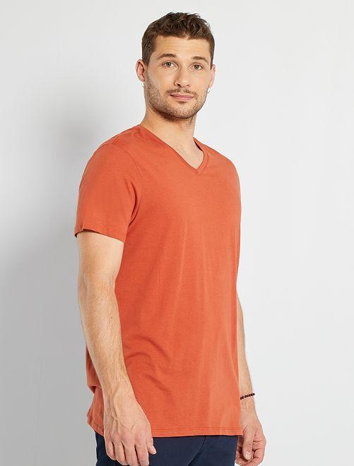 T-shirt col V +1m90                                                                                         rouge brique