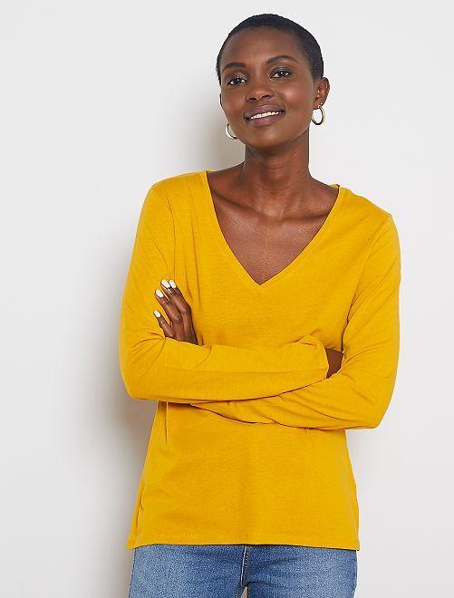 T-shirt col V                                                                                                                                                     jaune bronze