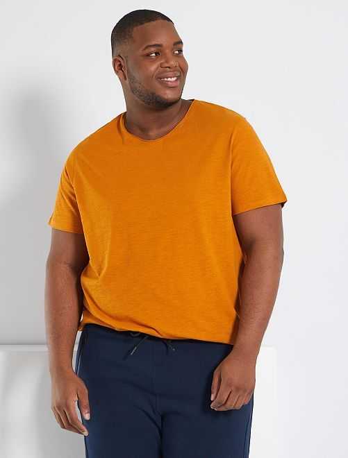T-shirt col V                                                                                                                 rouille