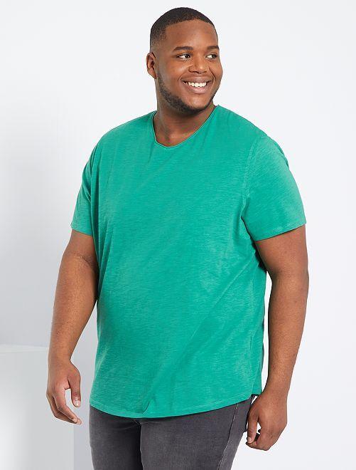 T-shirt col V                                                                                                                             vert
