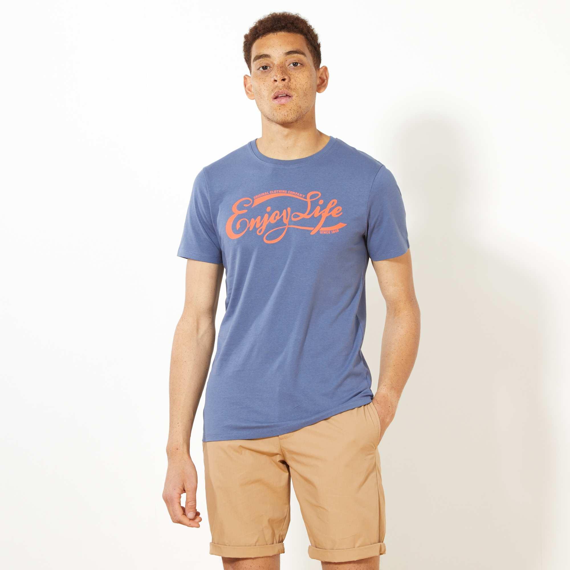 Couleur : bleu, écru, ,, - Taille : XXL, M, L,S,XLEsprit campus américain rétro avec l'imprimé de ce tee-shirt ajusté. - Tee-shirt en