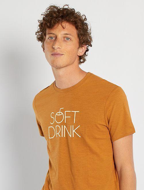 T-shirt imprimé                                                                                                                                                                             brun ocre