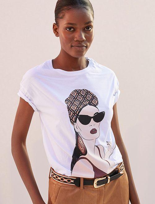 T-shirt imprimé 'femme bandeau wax'                             blanc