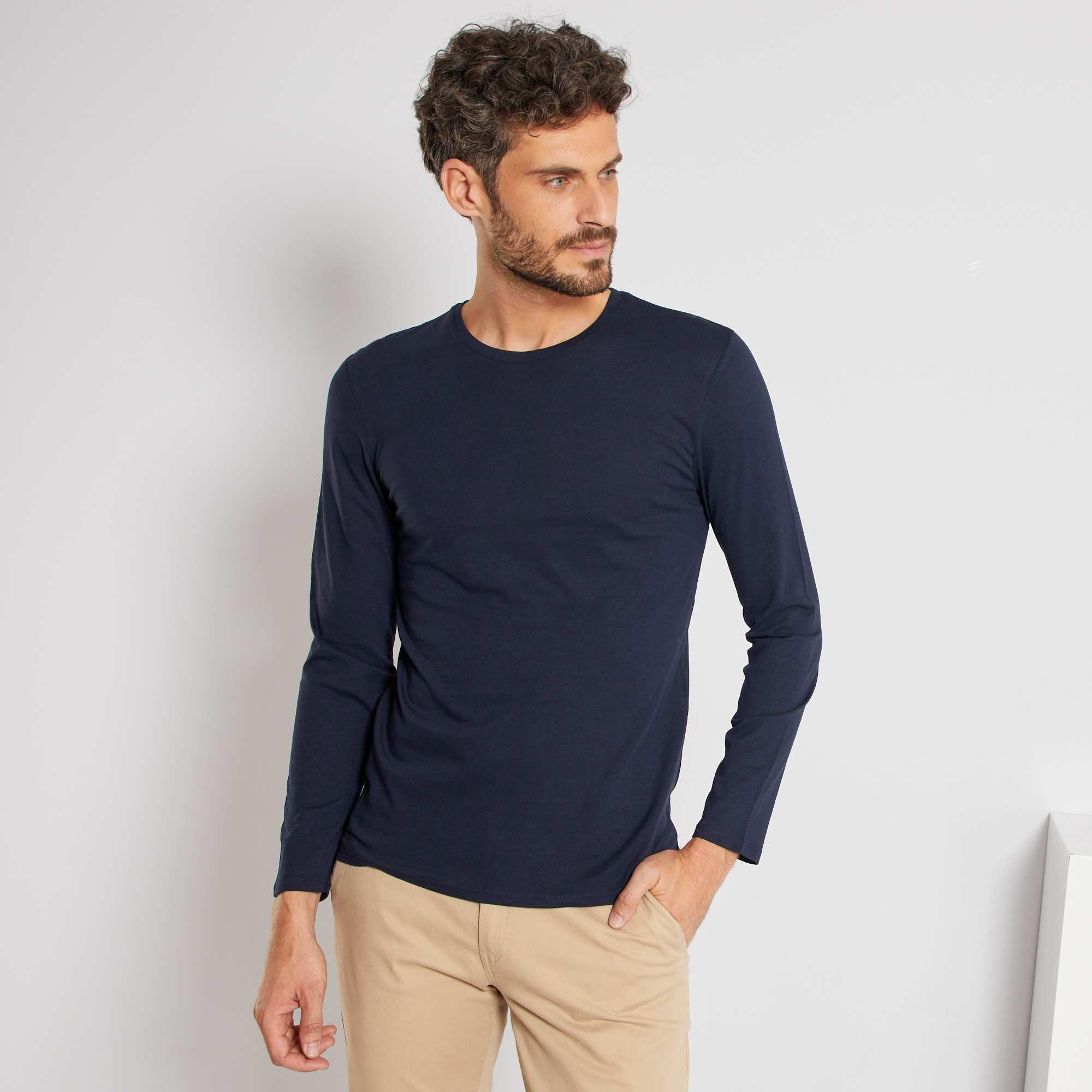 Couleur : blanc, noir, gris chiné,bleu marine, - Taille : XL, L, XXL,M,SLe basique à coordonner selon vos envies. - Tee-shirt en maille jersey pur coton -
