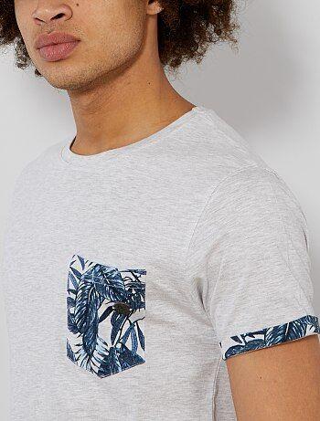 T shirt poche poitrine et revers imprimés