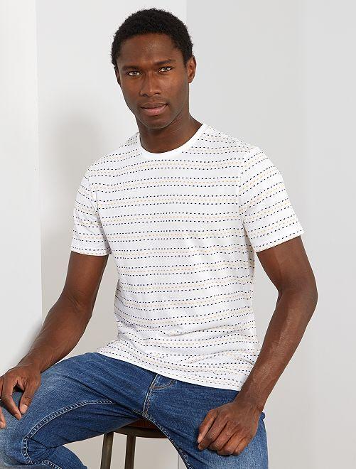 T-shirt pointillé                                         blanc