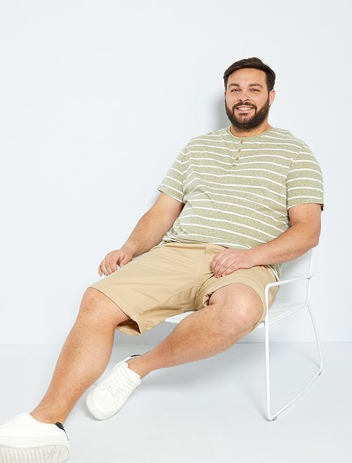 T-shirt rayé col tunisien                                         kaki/écru