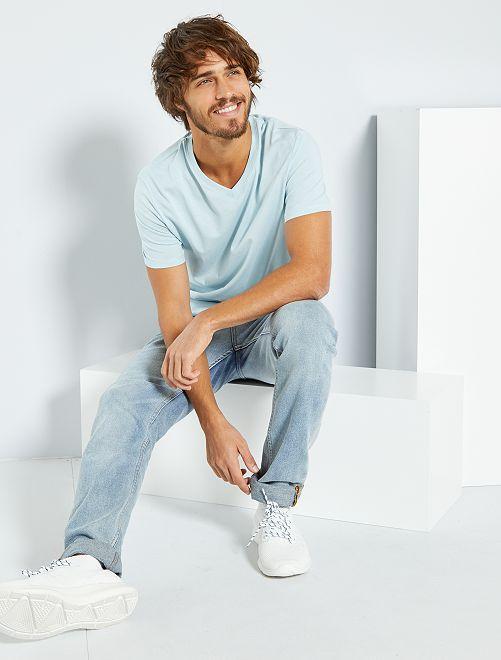 T-shirt regular en coton col V                                                                                                                                                                                                                                                                 bleu clair