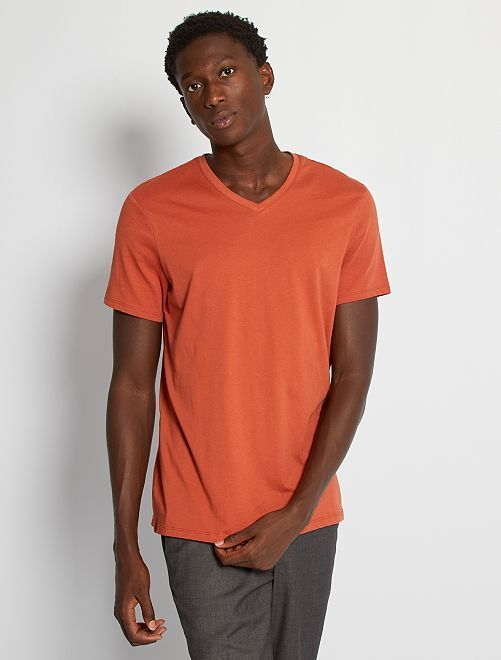 T-shirt regular en coton col V                                                                                                                                                                                                                                         rouge brique