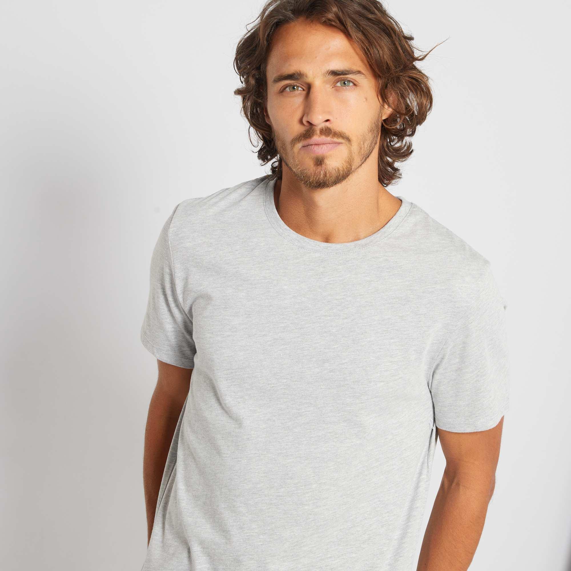 Couleur : gris chiné clair, blanc, noir,bleu marine,bleu indigo - Taille : M, XXL, XL,L,SUn classique à un prix si petit qu'il donne envie de les collectionner ! - Tee-shirt