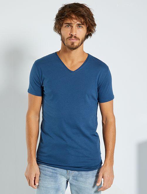 T-shirt slim col V                                                                                                                                                     bleu pétrole