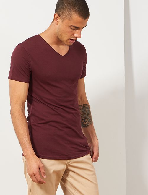 T-shirt slim col V                                                                                                                                         bordeaux Homme