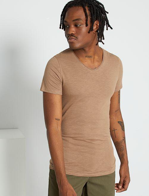 T-shirt slim col V                                                                                                                                                                 gris beige