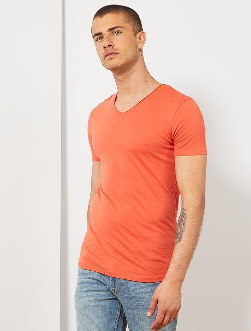 T-shirt slim col V                                                                                                                                         rouge Homme